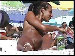 Praia de nudismo 9